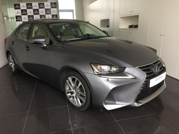 LEXUS IS 300h Executive Plus